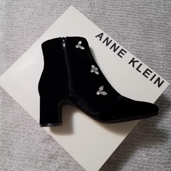 d45ef9c3a204 Anne Klein velvet ankle boots